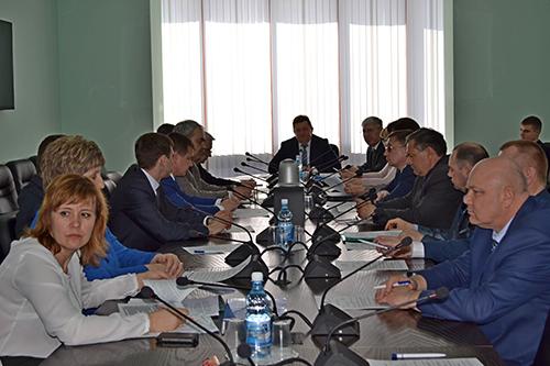 Тамбовский филиал: директор филиала принял участие в круглом столе по вопросам местного самоуправления
