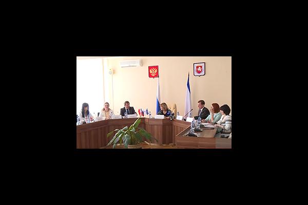 Екатерина Шугрина выступила на семинаре для представителей органов местного самоуправления Крыма