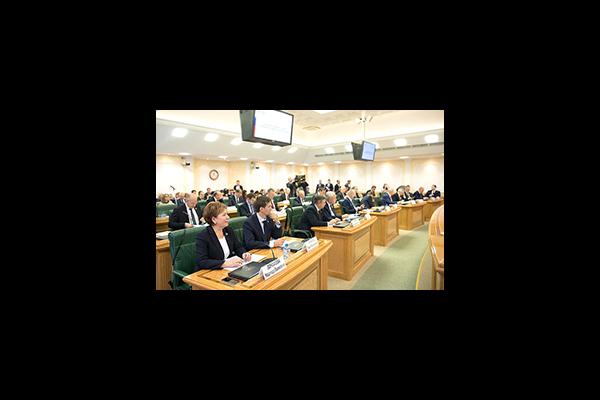 Екатерина Шугрина приняла участие в заседании Совета по местному самоуправлению при Совете Федерации