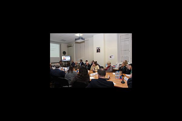 Екатерина Шугрина приняла участие в обсуждении вопросов расселения  городского населения