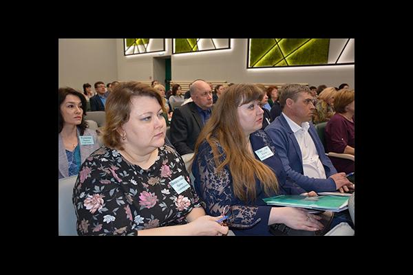 Алтайский филиал: более 100 муниципальных юристов края обменялись опытом