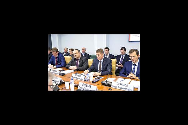 В Совете Федерации обсудили вопросы развития магистральной инфраструктуры