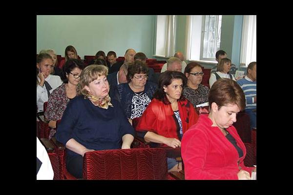 Нижегородский институт управления: муниципальные служащие, сотрудники бюджетных учреждений прошли обучение
